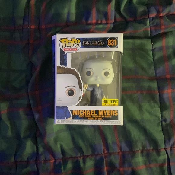 Michael Myers  (H20 Halloween)